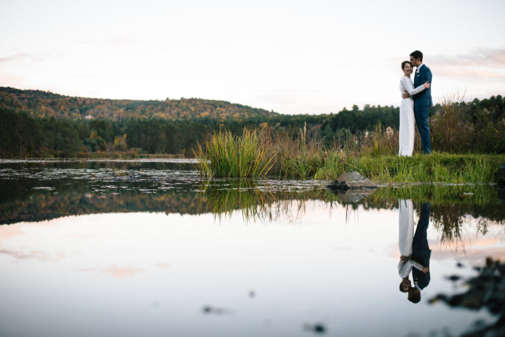 Hudson valley new york wedding photographerquechee inn wedding a more picturesque wedding would not have been possible the mountains reflected back of a sparkling lake at the quechee inn at marshland farm where hannah junglespirit Choice Image